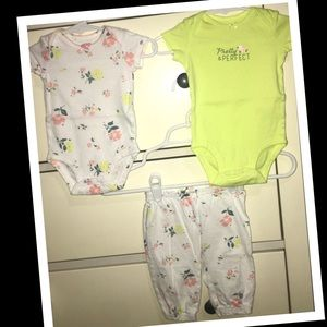 Carters baby girl 3pc. Outfit set🌼EUC🌼